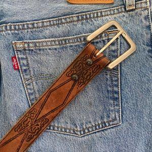 Vintage western vibes leather belt